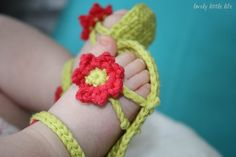 Crochet Flower Power Baby Sandals with FREE Pattern