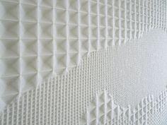 studio samira boon designs productive workspaces with textile acoustic elements Acoustic Wall, Acoustic Panels, Textiles Techniques, Weaving Techniques, Weaving Textiles, Weaving Patterns, Fabric Manipulation, Textile Prints, Retail Design