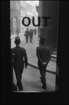 Sergio Larraín. London, England. 1959.  Its really too bad top hats went out of style