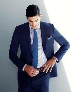 De regreso a la realidad que tal un traje azul para comenzar la semana? #StylerMx. Visit Tailor4less.com
