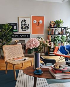 Home Interior Salas .Home Interior Salas Ikea Living Room, Living Room Interior, Home Interior Design, Retro Living Rooms, Interior Modern, Living Spaces, Deco Retro, Cheap Home Decor, Cool Home Decor