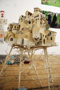 maison-entiere-papier-mache by Elsa Dray Farges - paper mache holiday town Cardboard Sculpture, Cardboard Crafts, Sculpture Art, Paper Crafts, Paper Clay, Paper Art, Wood Animals, Invisible Cities, Fairy Houses