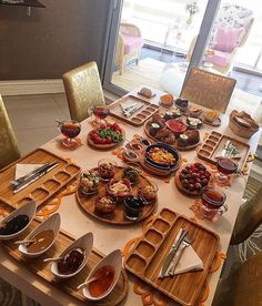 Breakfast table setting, breakfast for dinner, breakfast rec Breakfast And Brunch, Breakfast Table Setting, Turkish Breakfast, Breakfast Bread Recipes, Breakfast Presentation, Food Presentation, Brunch Table, Food Displays, Food Platters