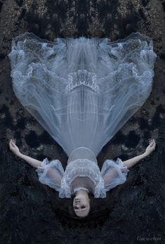 drown in consciousness by psychonekozawa.deviantart.com