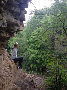 A great list of Ontario hikes and waterfalls featuring some of Hamilton's greatest treasures! Beautiful Places To Visit, Places To See, Ontario Parks, Ottawa Ontario, Ontario Travel, Algonquin Park, Waterfall Features, Beautiful Waterfalls, Canada Travel