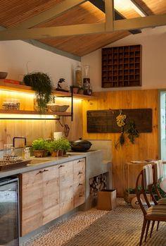 Casa Cor 2015/ A Casa da Gente: Cozinhas tropicais por Marina Linhares Decoração de Interiores