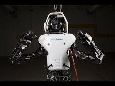 Google-Roboter Atlas jetzt kabellos unterwegs | Atlas unplugged: Der 1,90 große Rettungsroboter Atlas von Google-Tochter Boston Dynamics kann sich nun dank eigenem Akku nun auch ohne Stromkabel fortbewegen.