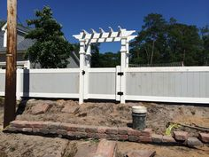 Two Tone Vinyl Privacy Fence