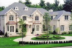 Luxury Homes Exterior Design. If you think that your house needs a facelift on the outside, you've come to the right place. Luxury Homes Exterior, Exterior Design, Future House, My House, House Front, Dream Mansion, Mansion Homes, Big Houses, Fancy Houses