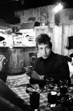 """"""" Douglas Gilbert, Bob Dylan """""""