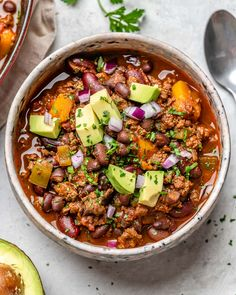 {NEW} Butternut Squash Chili 🌶🥑🥣 One of our all-time FAN FAVORITE recipes on the CFC site, is our Spicy Pumpkin Chili recipe. Clean Eating Recipes, Healthy Eating, Cooking Recipes, Healthy Recipes, Clean Foods, Healthy Dishes, Yummy Recipes, Vegetarian Recipes, Chili Recipes