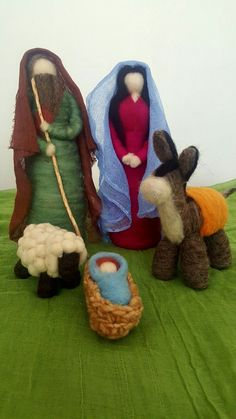 Pin by Connie Urick on Christmas - Nativity Christmas Nativity Scene, Felt Christmas Ornaments, Nativity Scenes, Wool Needle Felting, Shabby Chic Christmas, Waldorf Dolls, Wool Applique, Handicraft, Wool Felt
