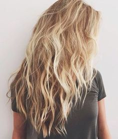 Wavy Hairstyle Informations About Wirklich attraktive lange gewellte Frisuren Pin You can eas My Hairstyle, Messy Hairstyles, Latest Hairstyles, Hair Day, New Hair, Beach Blonde Hair, Beach Hair Color, Messy Blonde Hair, Long Beach Hair