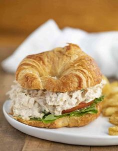 Classic Tuna Salad – Dinner, then Dessert – Food – Tuna Fish Recipes Tuna Sandwich Recipes, Ham Salad Recipes, Tuna Fish Recipes, Canned Tuna Recipes, Salad Recipes For Dinner, Dinner Salads, Seafood Recipes, Sandwich Fillings, Salmon Salad Sandwich