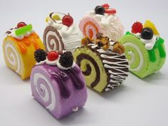 Colorful cake roll Picture from Cute Food :). Korean Food Recipes, Sweet Recipes, Cake Recipes, Swiss Roll Cakes, Swiss Cake, Food Cakes, Pretty Cakes, Cute Cakes, Yummy Cakes