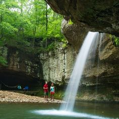 There are thousands of Midwest attractions worth seeing, but when you only get one lifetime to see it all, you've gotta be a little choosy. This list of nearly 100 things to do features our top tips for unforgettable getaways.