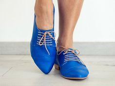 Oxford zapatos azul real pisos hechos a mano / por TamarShalem
