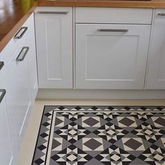 Design RD116 with RDB208 border and 20mm lacing strip installed using @forboeurocol 414 forbo fix in a kitchen. You have complete control over colour choices with De Bruyns designs. With over 300 colours to choose from in the Forbo Marmoleum ranges, we'll be able to achieve the look you require. Contact us on enquiries@de-bruyn.co.uk for all your Forbo Flooring requirements.