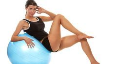 Come avere la pancia piatta con la palla fitness