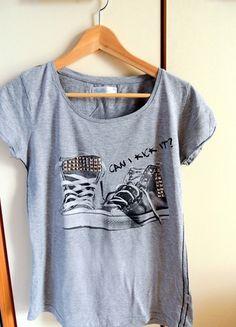 Kup mój przedmiot na #vintedpl http://www.vinted.pl/damska-odziez/koszulki-z-krotkim-rekawem-t-shirty/9297547-szara-koszulka-z-cwiekami-cropp