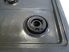 ここまできれいになりました…!! 連続使用可能な高温蒸気清掃器を買っていてよかった。不足の水を足しながら作業が連続してできる。