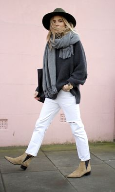 Fashion Me Now scarf hat street style acne boots / A Smart Trick For Making Sure Your Outfits Are Always Amazing Fashion Me Now, Look Fashion, Womens Fashion, Fashion Outfits, Fall Fashion, Petite Fashion, Classy Fashion, Fashion Weeks, Latest Fashion