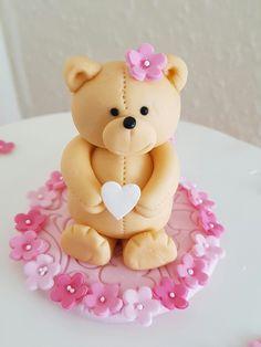 Fondant bear....