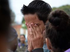 A Brazilian cries during a protest in Ponta Porã to demand more security in the border region shared with Pedro Juan Caballero. The border between Brazil and Paraguay helps criminals flee more easily, according to the Military Police of Ponta Porã. (Marta Escurra for Infosurhoy.com)