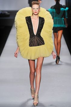 >> viktor and rolf, spring 2010