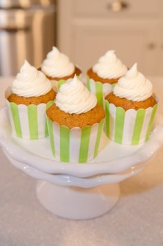 It's fall, and that means one thing….PUMPKIN! Here's one of our favorite #pumpkinrecipes. #PUMPKIN #CUPCAKES!