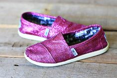 DIY: glitter Toms - Refurb old worn Toms shoes.