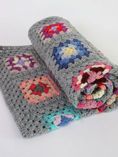 Hompesun Crochet Blanket: Lovingly handcrafted wooly knee blanket to keep the winter chills at bay.