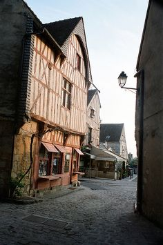 Provins ~ medieval christmas market in a medieval town.