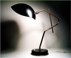 1950's table lamp   via http://modernlove20.com/