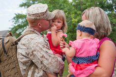 #military homecoming #USMC Camp Lejeune, NC | military homecoming photography Jacksonville, NC Photographer http://www.rachelsmithphotography.net