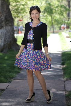 """Here is a perfect example of Monday's """"Outfit Formula - a great-fitting dress in a fabulous print with a waist-defining belt, a light short cardigan and shoes to match. Mature Fashion, Fashion Tips For Women, Monday Outfit, Female Reference, Love Clothing, American Made, Pretty Dresses, My Outfit, Fashion Outfits"""