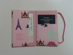 Porta Passaporte Individual World Rosa. Lugar para um passaporte e passagem. Sewing Projects, Projects To Try, Journal Covers, Hobbies And Crafts, Bag Making, Scrapbook, Notebook, Diy, Crafty