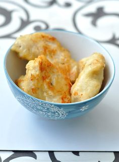 Csirkemellcsíkok sörtésztában - illatos-omlós csirkemell recept - csakapuffin.hu Naan, Apple Pie, Desserts, Recipes, Food, Kitchens, Tailgate Desserts, Deserts, Recipies