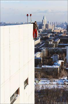 La locura de los rusos por fotografiarse ilegalmente en las alturas