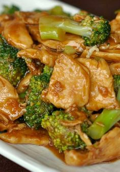 Chicken and Broccoli Stir – Fry  •1 pound boneless skinless chicken breast, cut into 1-inch pieces •2 garlic cloves, finely chopped •2 teaspoons finely chopped ginger •1 cup chicken broth •3 tablespoons soy sauce •2 teaspoons sugar •2 cups broccoli flowerets •2 teaspoons cornstarch.