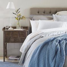 Sundays are made for sleeping in and nothing says luxurious, relaxed mornings like French linen. Shop the Antwerp quilt cover in cloud via the link in our bio. #provincialhomeliving #linen #lazysunday #sleepin