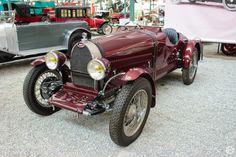 #Bugatti #Type38 à la #Cité de l'#Automobile, Collection #Schlumpf, de #Mulhouse. Article original : http://newsdanciennes.com/2015/07/16/on-a-teste-pour-vous-la-collection-schlumpf/ #Cars #Museum #Voiture #Ancienne #Classic