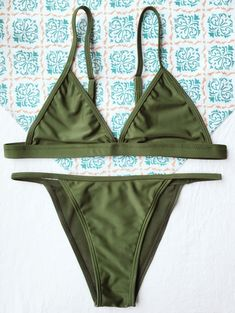 Tiny Unlined String Bikini Set — 14.19 € ------------------------Size: S Color: ARMY GREEN