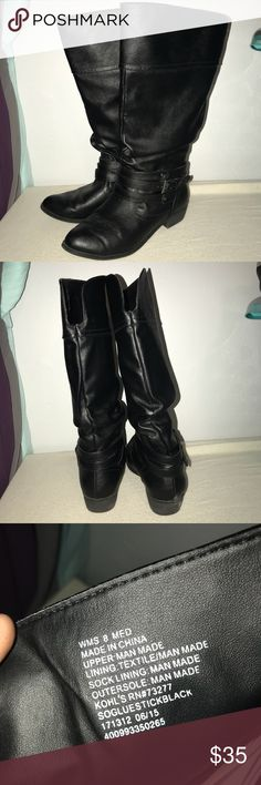 Women's Black Boots •Women's •Black •Mid-calf length •Rounded toe •Size 8 •Small heel •Open to offers! Shoes Heeled Boots