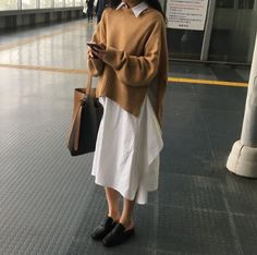 date outfit fall casual Korean Fashion Trends, Korea Fashion, Asian Fashion, Noora Style, Chic Outfits, Fashion Outfits, Cosy Outfit, Ny Style, Korean Outfits