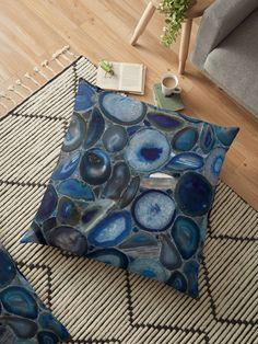 « Blue Agate gemstone - Agates bleues - pierres de gemmes » par LEAROCHE Agates, Throw Pillows, Art, Floor Cushions, Stones, Toss Pillows, Art Background, Cushions, Kunst
