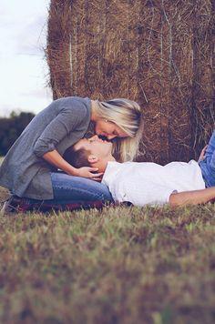 Lauren + Cameron :: Katy, TX engagement photographer » Jessica B Photography