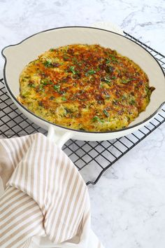 Vegetable Sides, Vegetable Recipes, Vegetarian Recipes, Cooking Recipes, Cooking Tips, Vegan Meals, Healthy Meals, Healthy Recipes, Crispy Potato Cakes Recipe