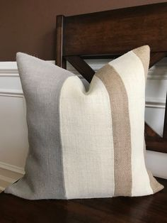 New living room grey cream guest bedrooms 63 ideas Grey And Brown Living Room, Cream Living Rooms, Living Room Grey, Living Room Decor, Gray And Brown, Cream Sofa Living Room Color Schemes, Grey Pillows, Burlap Pillows, Sofa Pillows