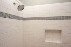 「tile accent  bathroom white cool」の画像検索結果